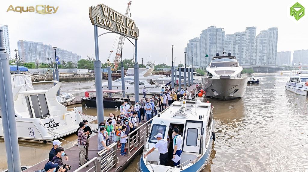 Bến thuyền đón khách đến Aqua City